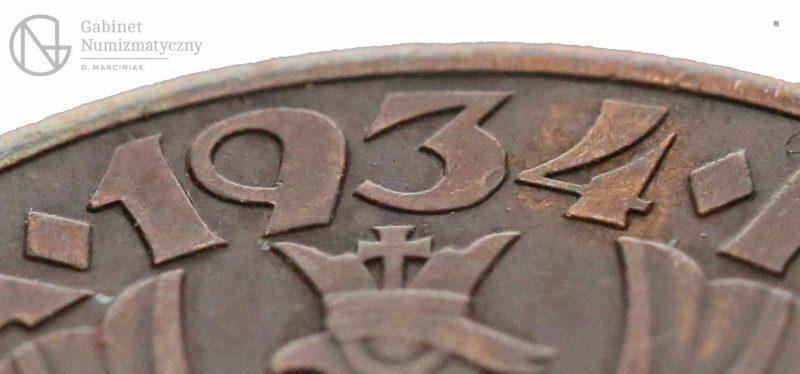 Zbliżenie na datę fałszerstwa 5 groszy 1934