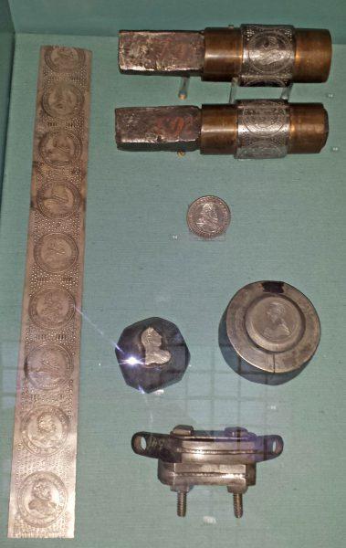 Walce do tłoczenia dużych talarów, wytłoczona taśma oraz stemple talara 1780